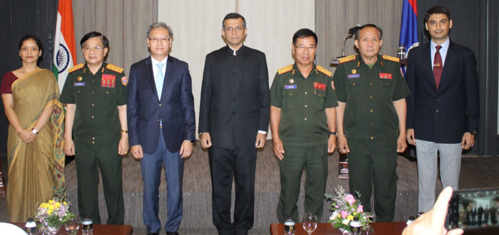 H.E. Mr Dinkar Asthana, Ambassador of India to Lao PDR, Maj Gen. Onesy SENESOUK, Deputy Minister of National Defense, Lao PDR, H.E. Mr Thongsavanh PHOMVIHANE, Vice Minister of Foreign affairs and members of the Indian Army Training Team (IATT) at the Silver Jubilee event of IATT, Lao PDR