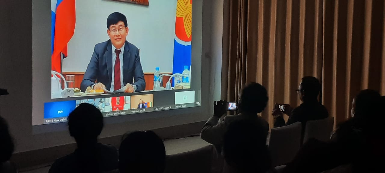 Embassy organised live telecast of Award Ceremony of ASEAN- India Hackathon 2021. H.E. Assoc. Prof. Dr. Phout SIMMALAVONG, Deputy Minister, Ministry of Education and Sports, Lao PDR delivered his remarks virtually.  27 Lao students from National University of Laos and 10 mentors from different fields participated in the ASEAN-India Hackathon.